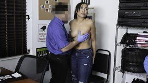 ดูหนังเอ็กซ์ หนังโป๊ Porn xxx  SHOPLYFTER – THICK EBONY TEEN GETS FRISKED AND FUCKED BY MALL COP ตบตูด