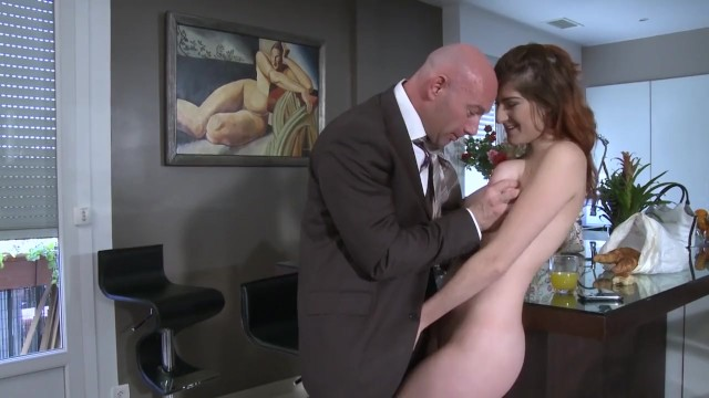 ดูหนังเอ็กซ์ Porn xxx ดูหนังโป๊ใหม่ฟรี HD IL ENCULE LA FILLE DE SA SECRÉTAIRE
