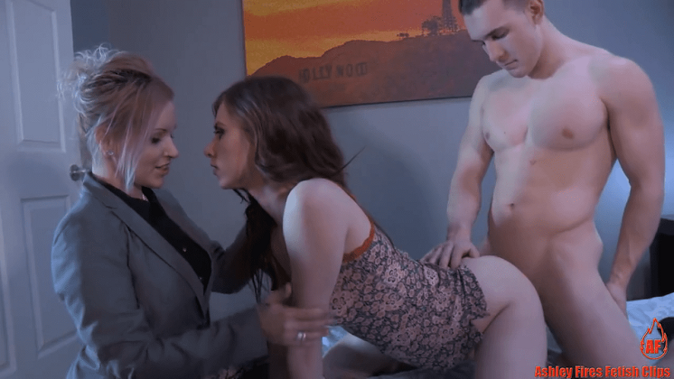 ดูหนังเอ็กซ์ Porn xxx ดูหนังโป๊ใหม่ฟรี HD Anya Olsen แม่บังคับเสียว Ashley Fires