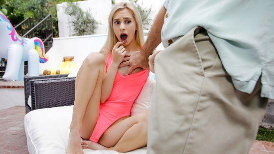 ดูหนังเอ็กซ์ Porn xxx ดูหนังโป๊ใหม่ฟรี HD Chanel Shortcake มาเยี่ยมปู่อู้หูวใหญ่จัง Family Strokes