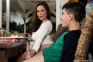 ดูหนังเอ็กซ์ หนังโป๊ Porn xxx  Kendra Lust จานเด็ดเคล็ดลับ..ตำรับแม่แฟน Brazzers avฝรั่ง