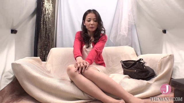 ดูหนังเอ็กซ์ Porn xxx ดูหนังโป๊ใหม่ฟรี HD Stressed Asian MILF in Alluring Dress Orgasms Hard on Sex Massage [NPS-313]