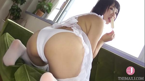 ดูหนังเอ็กซ์ Porn xxx ดูหนังโป๊ใหม่ฟรี HD 鄰居太太真騷 明著透明蕾莉小圍裙勾引熊貓外送員